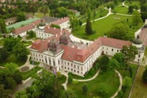 Kis Zseni Iskola - GÖDÖLLŐ